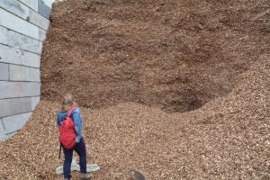 Houtsnippers bij een van de leveranciers van Bioenergie op maat.